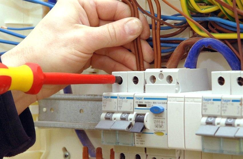 Вызов электрика для установки дифференциальных автоматов
