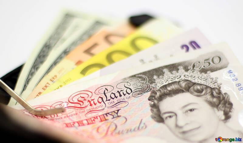 Наступает финансовый кризис? что делать?